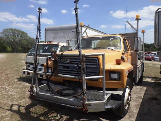 4-08117 (Trucks-Sprayer)  Seller:Private/Dealer 1988 FORD F800F