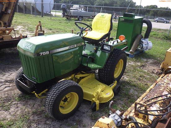 5-01134 (Equip.-Tractor)  Seller:Private/Dealer JOHN DEERE 755 TRACTOR WITH 25 G