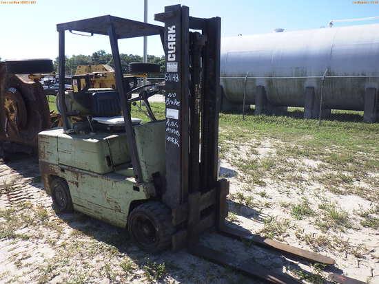 5-01148 (Equip.-Fork lift)  Seller:Private/Dealer CLARK C500S60 LPG FORKLIFT WIT