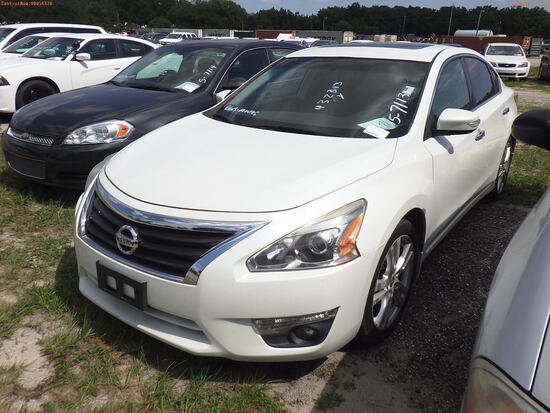 5-07113 (Cars-Sedan 4D)  Seller:Private/Dealer 2013 NISS ALTIMA