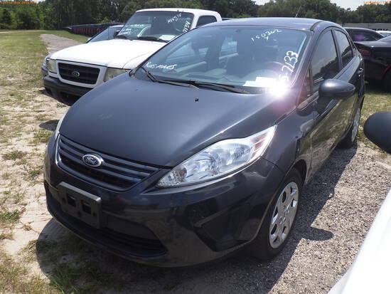 5-07133 (Cars-Sedan 4D)  Seller:Private/Dealer 2013 FORD FIESTA
