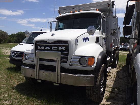 5-08113 (Trucks-Dump)  Seller:Private/Dealer 2004 MACK CV713