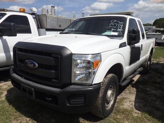 5-08221 (Trucks-Pickup 2D)  Seller: Gov-City Of Clearwater 2015 FORD F250