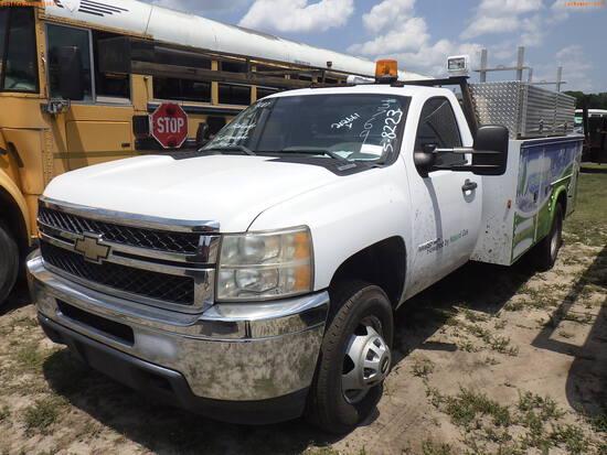 5-08223 (Trucks-Utility 2D)  Seller: Gov-City Of Clearwater 2011 CHEV 3500