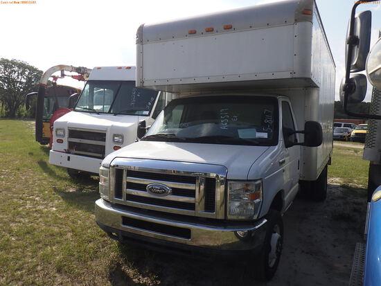 5-08117 (Trucks-Box)  Seller:Private/Dealer 2010 FORD E350