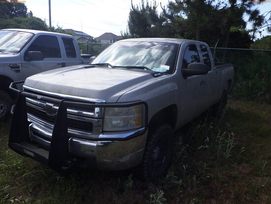 5-18111 (Trucks-Pickup 4D)  Seller: Florida State F.W.C. 2009 CHEV 2500HD