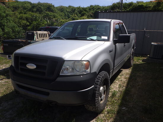 5-19110 (Trucks-Pickup 4D)  Seller: Florida State F.W.C. 2006 FORD F150