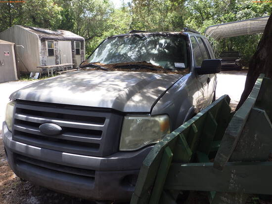 5-22110 (Cars-SUV 4D)  Seller: Florida State F.W.C. 2008 FORD EXPEDITIO