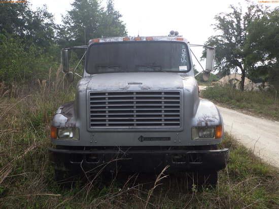 5-14114 (Trucks-Dump)  Seller: Florida State F.W.C. 2001 INTL 4700