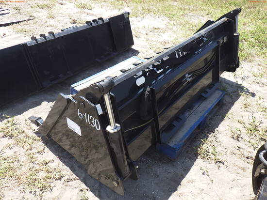 6-01130 (Equip.-Implement misc.)  Seller:Private/Dealer 84 INCH 4 IN 1 QUICK CON