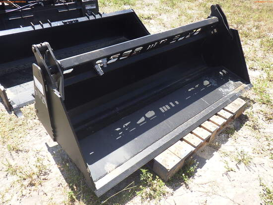 6-01124 (Equip.-Implement misc.)  Seller:Private/Dealer 84 INCH 4 IN 1 QUICK CON