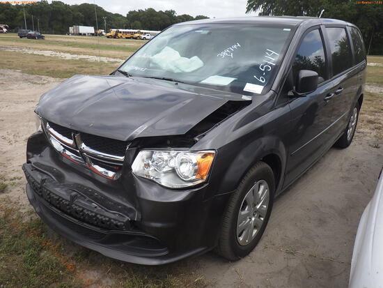 6-05114 (Cars-Van 4D)  Seller: Gov-Pinellas County Sheriffs Ofc 2016 DODG GRANDC
