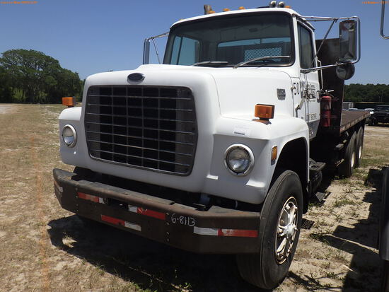 6-08113 (Trucks-Flatbed)  Seller:Private/Dealer 1986 FORD 9000