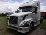 6-09114 (Trucks-Tractor)  Seller:Private/Dealer 2004 VOLV VNL