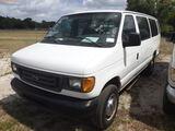 6-08211 (Cars-Van 3D)  Seller: Gov-Hillsborough County Sheriffs 2004 FORD E350