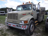 6-08229 (Trucks-Crane)  Seller: Gov-Pinellas County BOCC 2000 INTL 4700