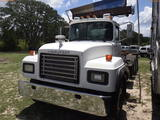 6-08132 (Trucks-Rolloff)  Seller:Private/Dealer 2003 MACK RD688S