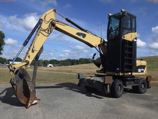 6-14110 (Equip.-Excavator)  Seller: Gov-Hillsborough County B.O.C.C. CATERPILLAR