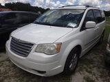8-07231 (Cars-Van 3D)  Seller:Private/Dealer 2010 CHRY TOWN&COUN