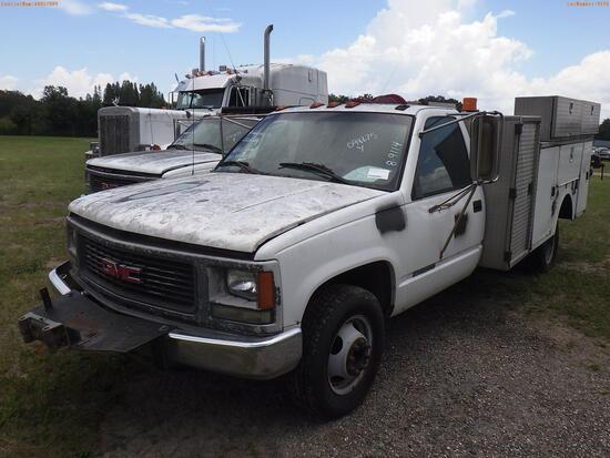 8-09114 (Trucks-Utility 2D)  Seller: Gov-Hillsborough County School 1999 GMC 350