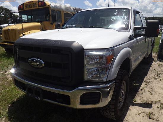 8-08116 (Trucks-Utility 2D)  Seller:Private/Dealer 2011 FORD F250