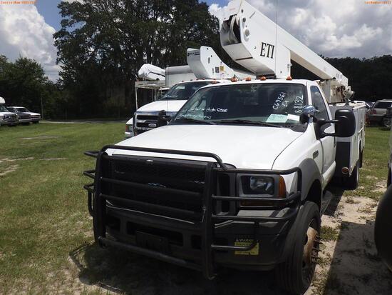 8-08132 (Trucks-Aerial lift)  Seller:Private/Dealer 2005 FORD F550