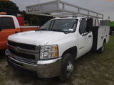 8-08246 (Trucks-Utility 2D)  Seller: Gov-Manatee County 2007 CHEV 3500