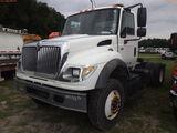 8-08249 (Trucks-Tractor)  Seller: Gov-Manatee County 2004 INTL 7600