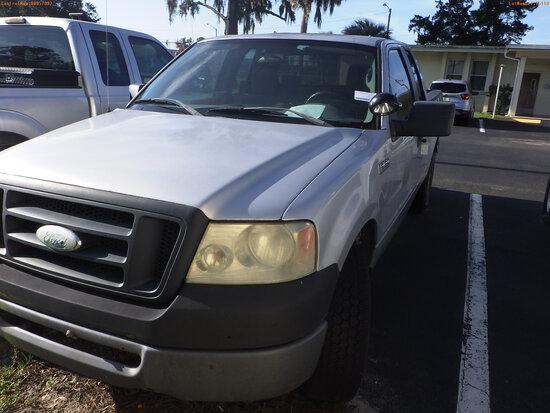 8-15110 (Trucks-Pickup 4D)  Seller: Florida State F.W.C. 2008 FORD F150