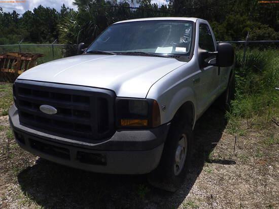 8-17110 (Trucks-Pickup 2D)  Seller: Florida State F.W.C. 2006 FORD F250SD