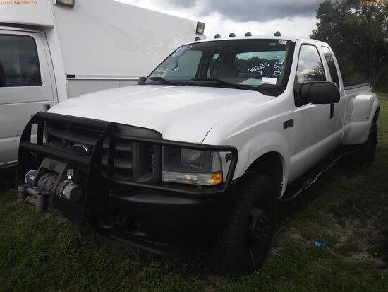 10-08211 (Trucks-Pickup 2D)  Seller: Gov-Hillsborough County Sheriffs 2002 FORD