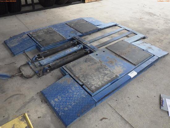 10-15001 (Equip.-Automotive)  Seller: Gov-Hillsborough County B.O.C.C. SMALL LOW