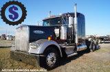 2007 Kenworth W900L T/A Sleeper Truck Tractor