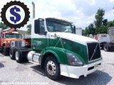 2006 Volvo VNL 300 Day Cab T/A Truck Tractor
