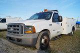 2005 Ford F-350 XL Super Duty Service/ Crane Truck