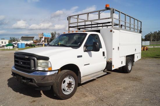 2002 Ford F-450 XL Super Duty Utility Truck