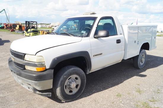 2002 Chevrolet Silverado 2500HD Service Truck