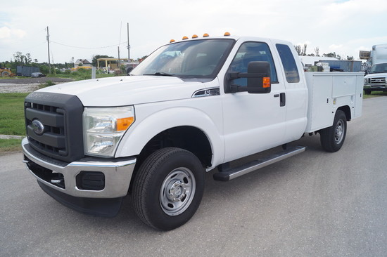 2011 Ford F-250 XLT Super Duty 4x4 Extended Cab Service Truck