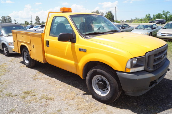 2003 Ford F-250 XL Super Duty Service Pickup Truck