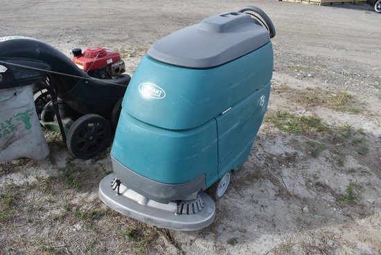 Tennant Electric T-5 Floor Scrubber