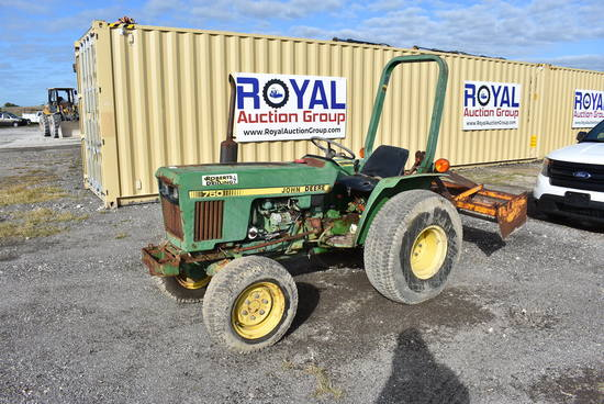 John Deere 750 4x4 Tractor with Box Blade
