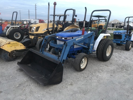 Ford 1520 20hp 4x4 Utility Tractor Loader