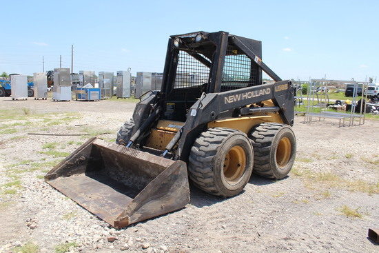 New Holland L565 Skid Steer Loader