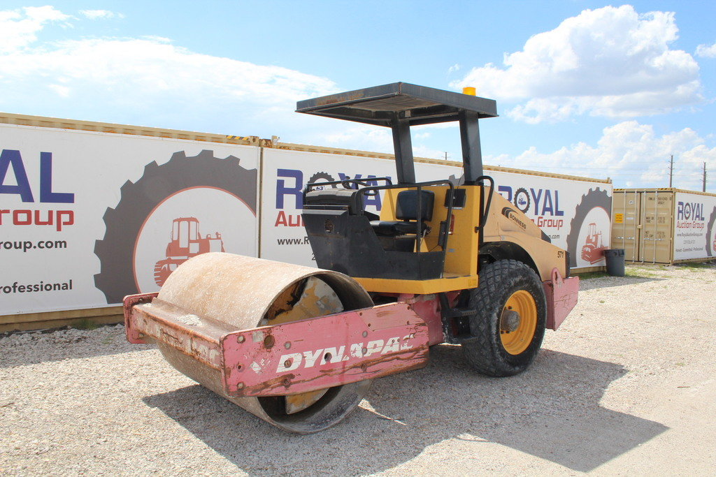 2402 Dynapac CA152D Virbratory Articulated Smooth Drum Roller