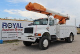 International 4800 4x4 52ft Material Handling Insulated Bucket Truck