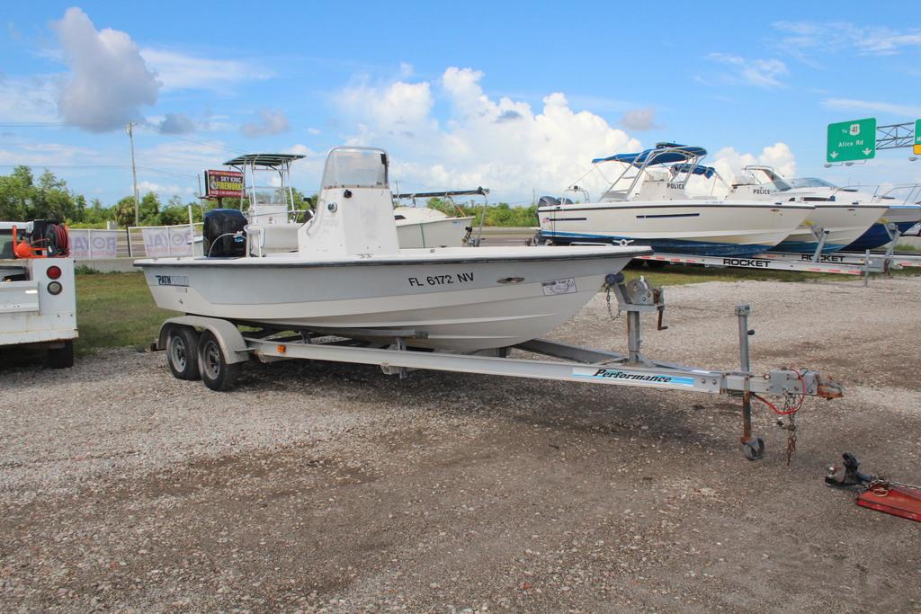 2000 Pathfinder 21ft 1900V Center Console Boat