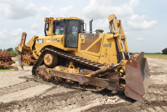 2009 Caterpillar D8T Crawler Tractor Dozer with Ripper