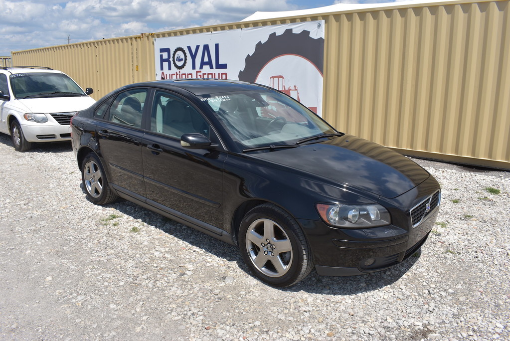 2005 Volvo S40 T5 AWD 4 Door Sedan