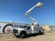 2011 Ford F-550 4x4 Truck Over Center Bucket Truck