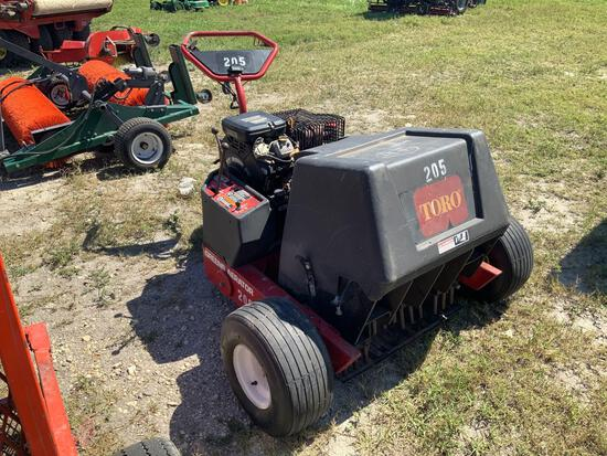 Toro Walk Behind Greens Aerator